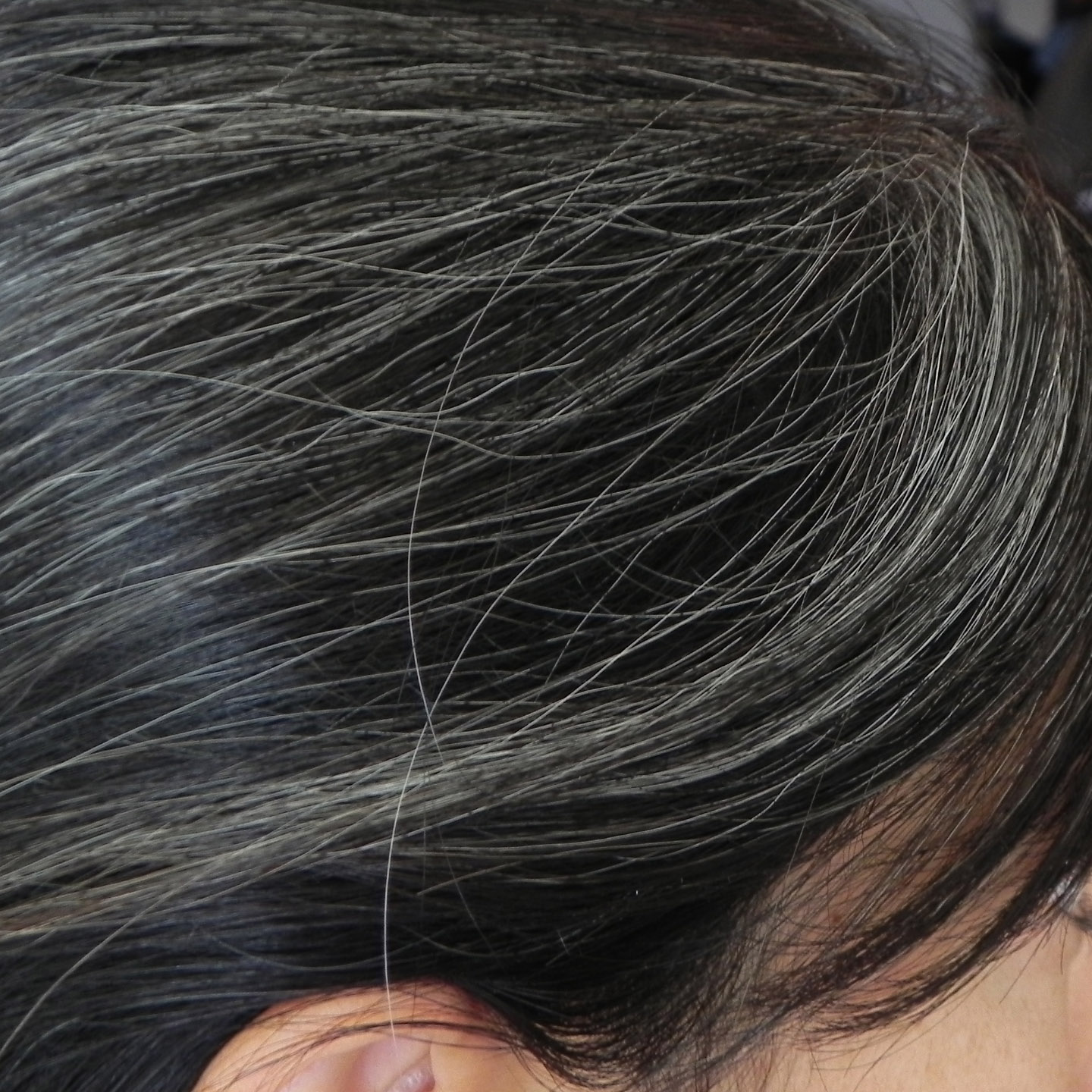 Balm tinted Concept - the ability to change the color of hair and do no harm to them
