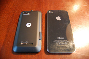 Defy XT vs iPhone 4 - back