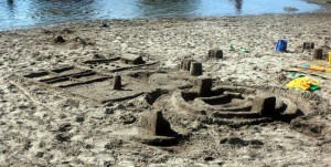 toque_family_sandcastle